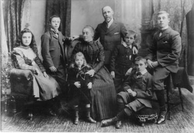 Henry Richard Smith & Family c1898